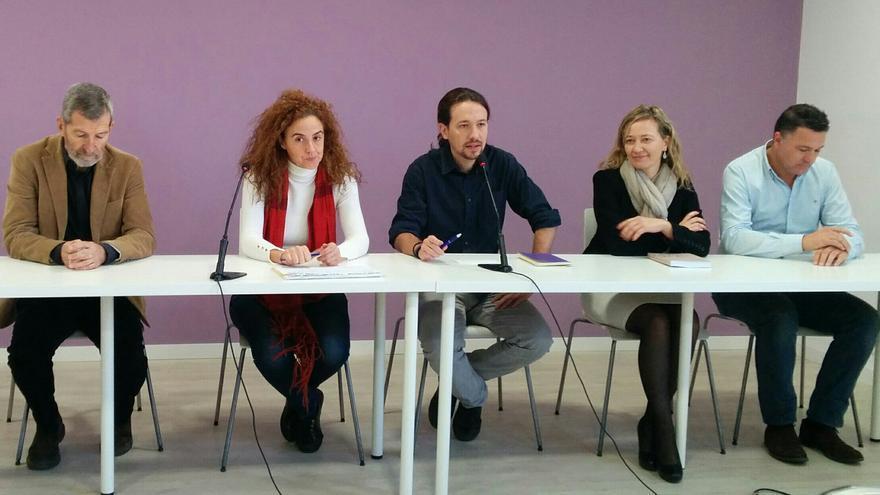 Pablo Iglesias, junto a Itziar Ruiz Giménez, Victoria Rosell, Julio Rodríguez y Juan Antonio Delgado Ramos