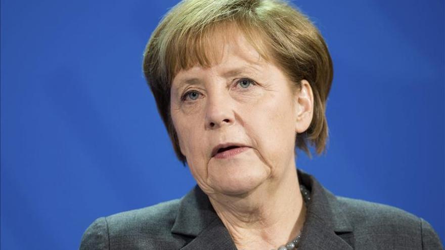 """EEUU tiene más de 300 informes de espionaje sobre Merkel, según """"Der Spiegel"""""""