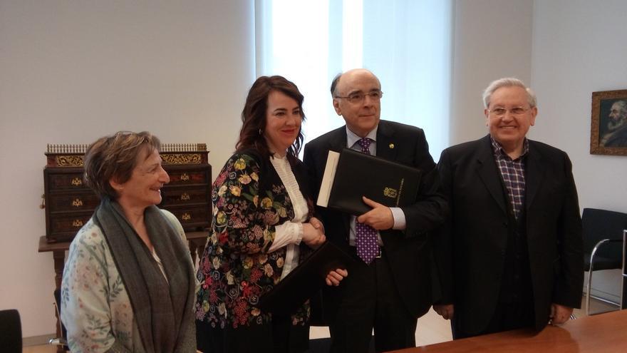 Parlamento de Navarra y Euskaltzaindia firman un nuevo convenio de colaboración para tres años