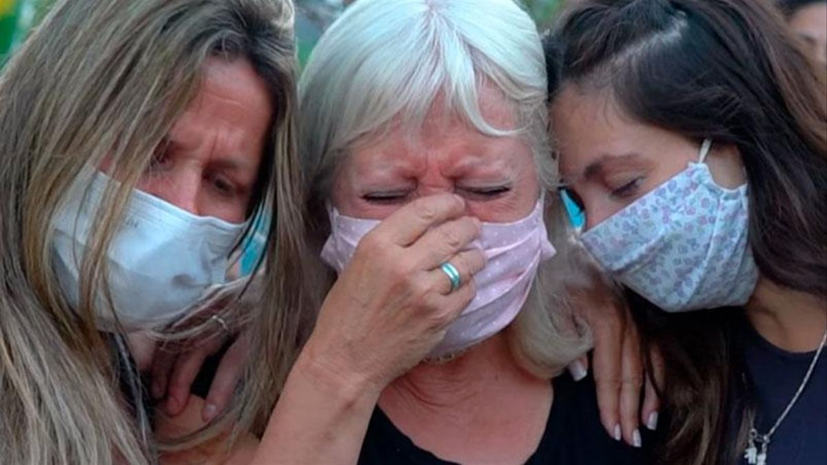 Dolor de la madre y la hija de Ivana Módica, asesinada por su novio.