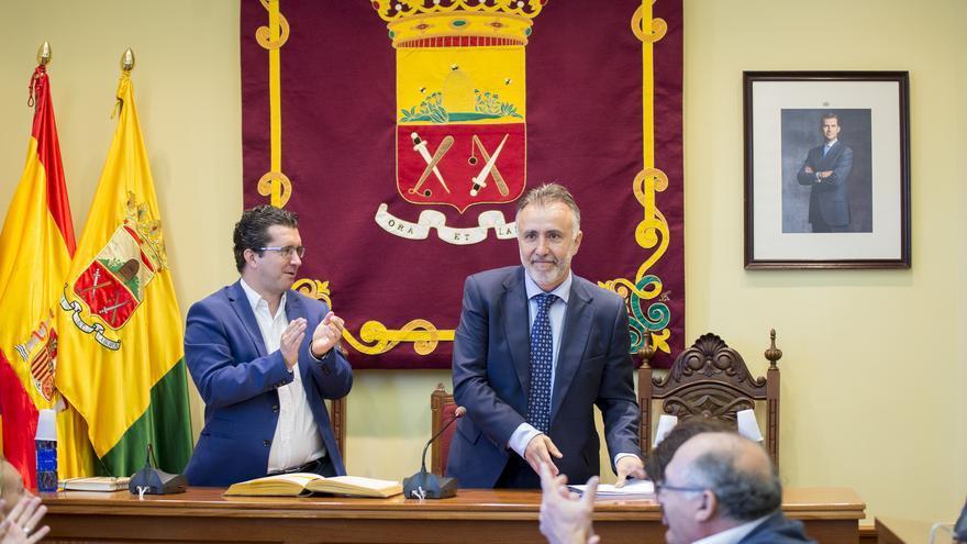 El vicepresidente del Cabildo de Gran Canaria, Ángel Víctor Torres; junto al alcalde de Arucas, Juan Jesús Facundo (ACFI PRESS)