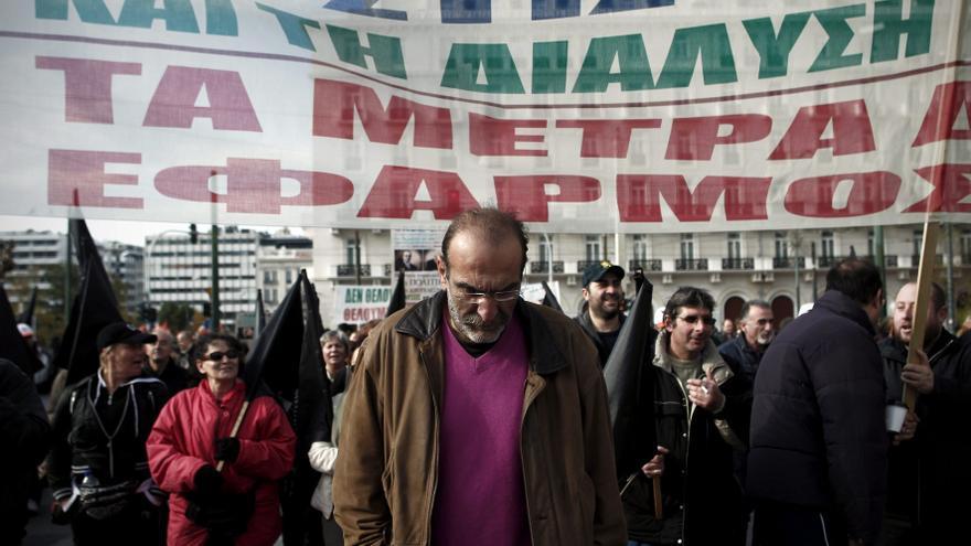 Manifestación de funcionarios municipales en Atenas.