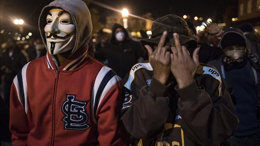 Disturbios y arrestos en Los Ángeles mientras Ferguson recupera la normalidad