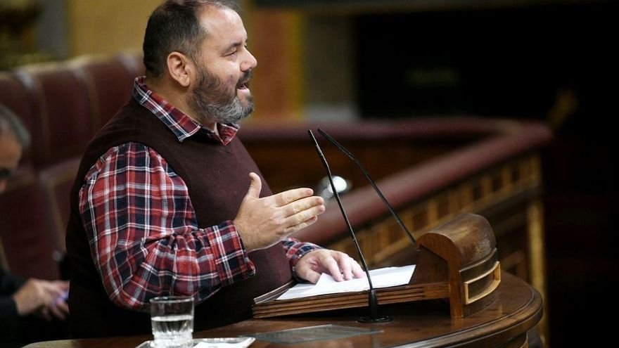 Los comuns apuestan por una constitución para una Cataluña dentro de una república española plurinacional