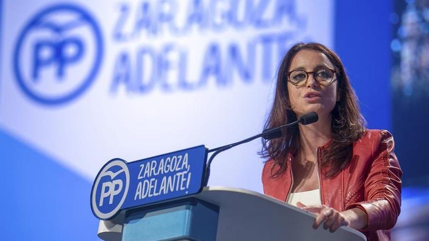 """El PP acusa a Carmena de poner """"la alfombra roja"""" del Ayuntamiento a Puigdemont"""