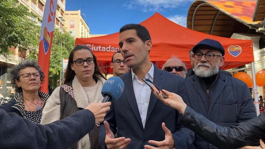 """Martín Blanco (Cs) pide a Torrent que defienda unas """"normas mínimas de conducta"""" en el Parlament"""