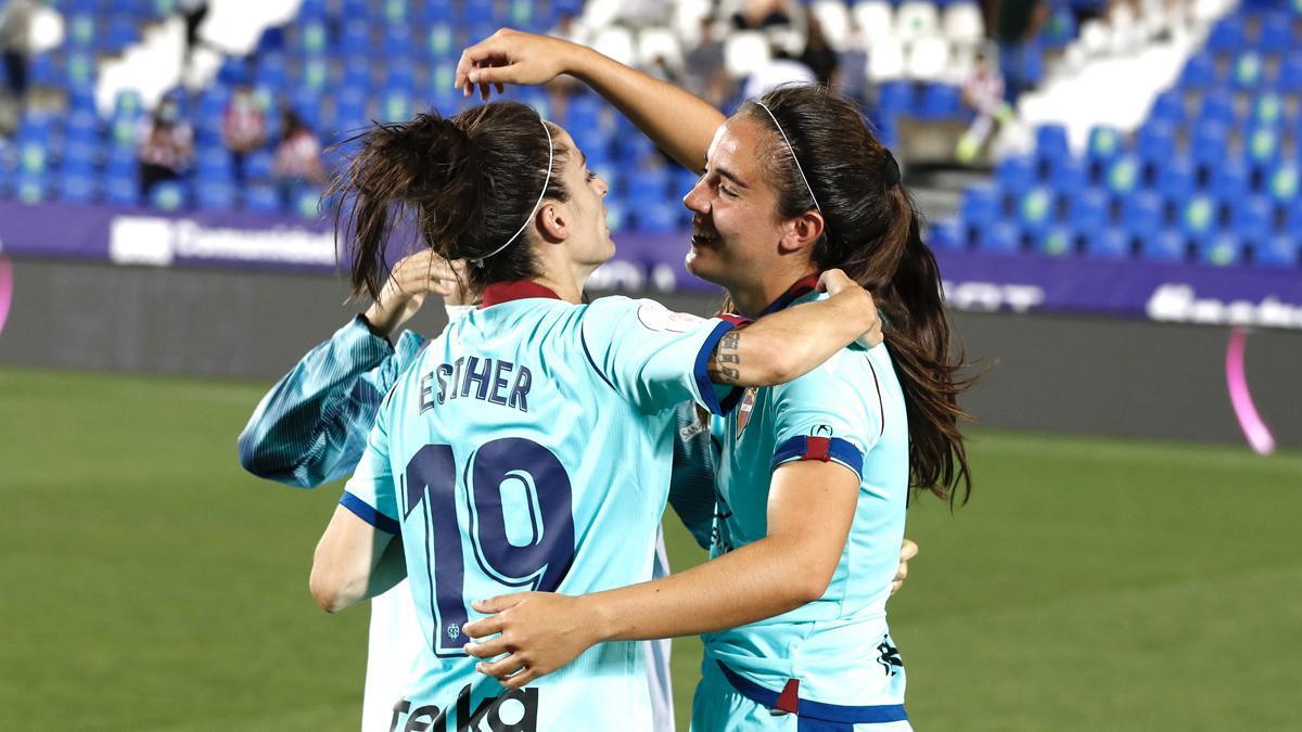 Rocío Gálvez celebra un triunfo con el Levante