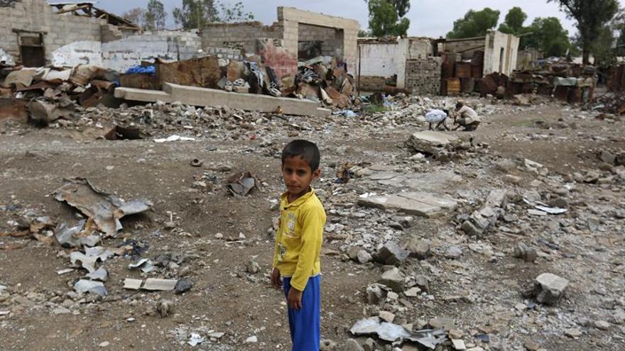 Llega el primer avión humanitario a la ciudad yemení liberada de Al Qaeda