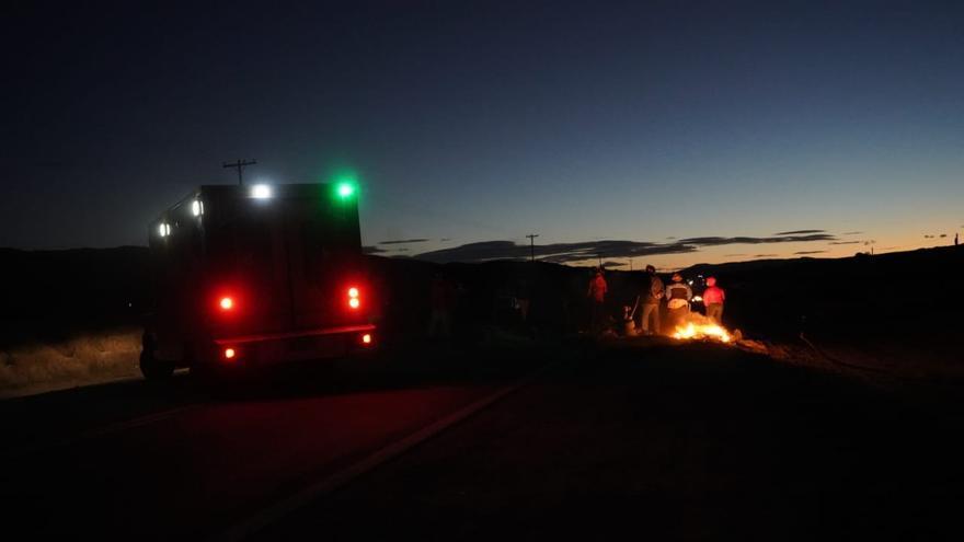 """Trabajadores de la salud cortan rutas en Neuquén por reclamo salarial: """"Nosotros no podemos parar"""""""
