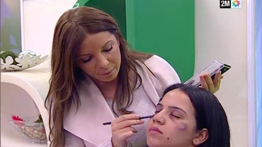 La televisión pública marroquí emite un tutorial de maquillaje para mujeres maltratadas