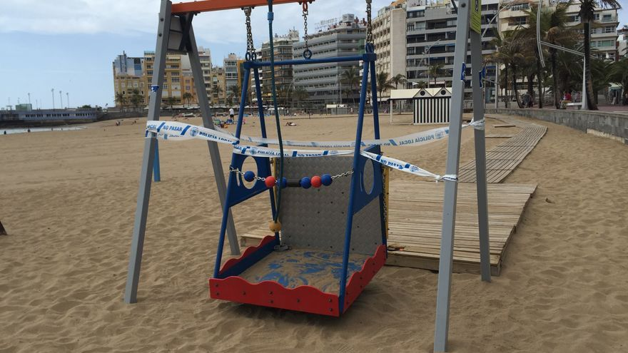 Columpio adaptado de la Playa de Las Canteras