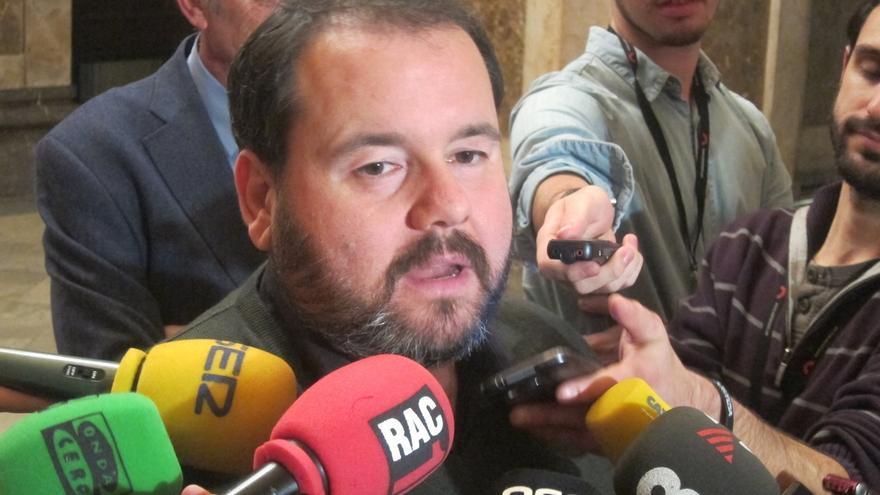 En Comú pregunta si Rajoy supo de cuentas de Ignacio González en Suiza y qué actuaciones llevó a cabo