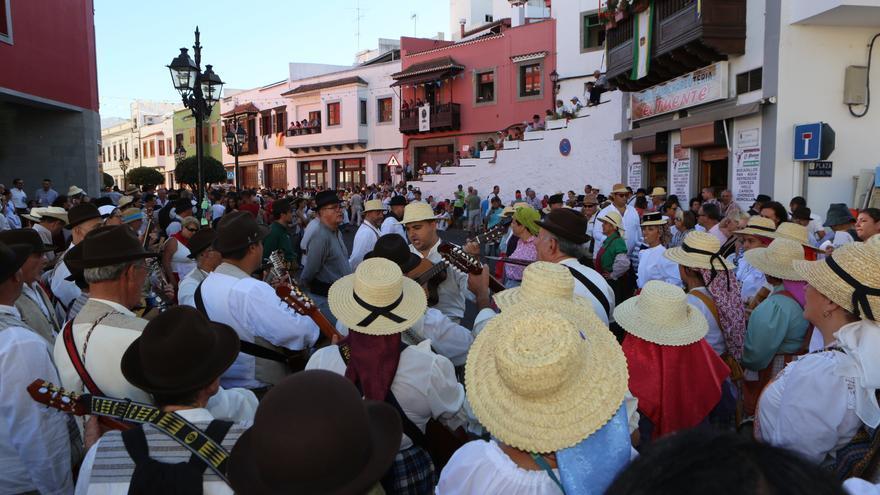 Ofrenda-Romería de las Fiestas del Pino 2016 (ALEJANDRO RAMOS)