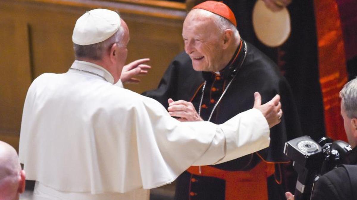 El papa Francisco y el excardenal McCarrick.
