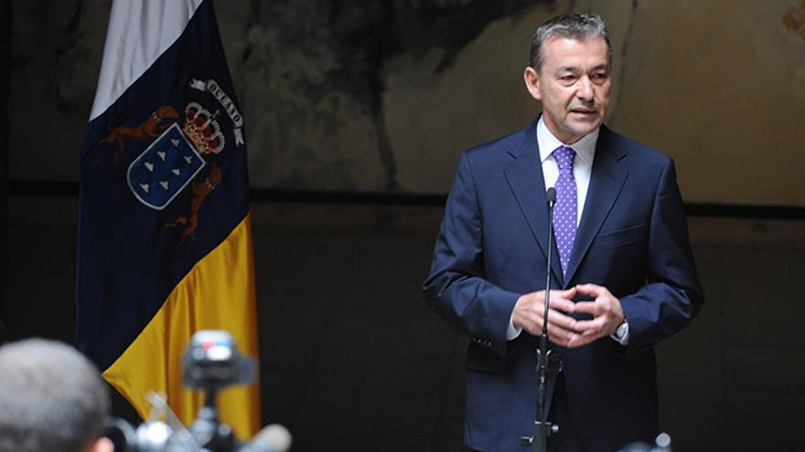 El presidente de Canarias, Paulino Rivero, convocará la consulta sobre el petróleo en otoño.