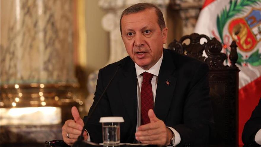 Correa y Erdogan revisarán relación bilateral y hablarán de inversiones