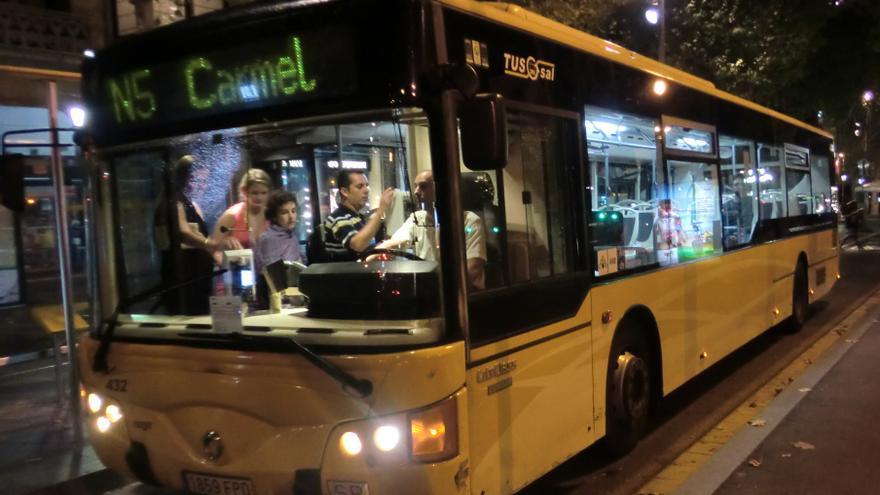 Una autobús del servei nocturn, Nitbus, a Barcelona