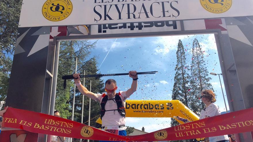 Iker Karrera gana la prueba reina de 90 kilómetros de Els Bastions (© Suunto).