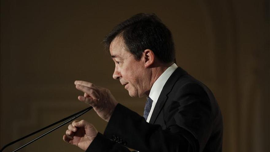 """El rector de la Complutense dice que la crisis es una """"excusa"""" para recortes"""