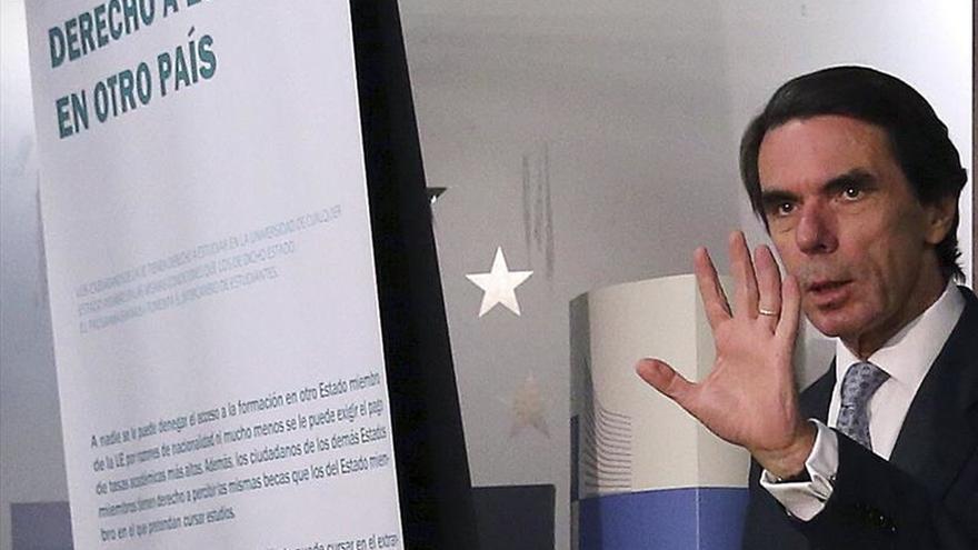 """Aznar, ante la amenaza terrorista: """"no podemos quedarnos de brazos cruzados"""""""