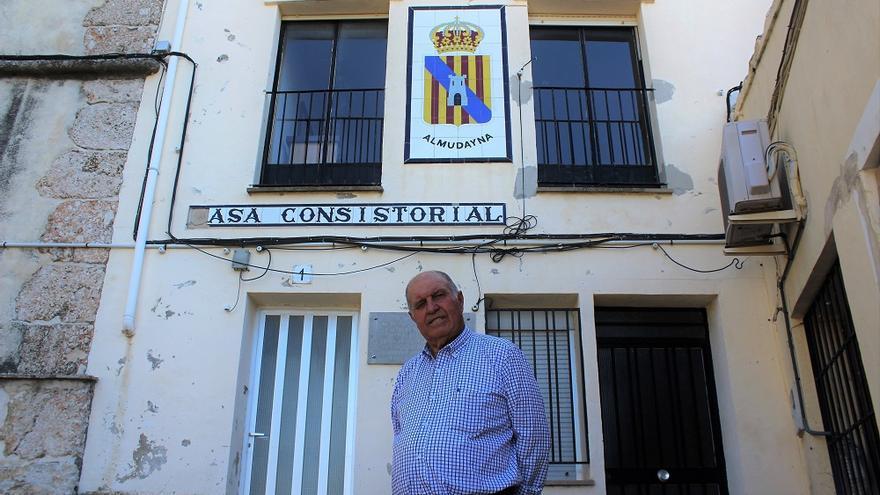 El alcalde de Almudaina, José Luis Seguí