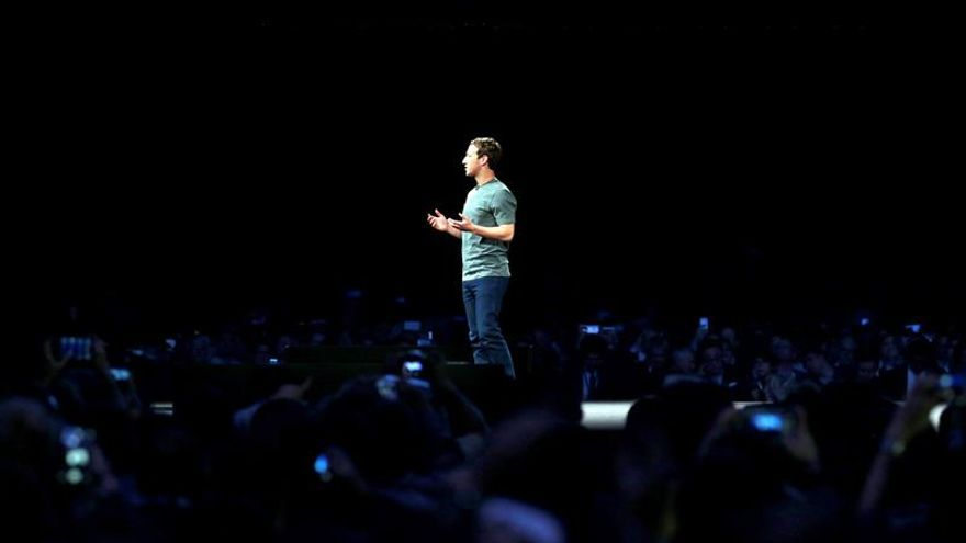 Zuckerberg, módulos y curvas en el domingo pre Mobile World Congress