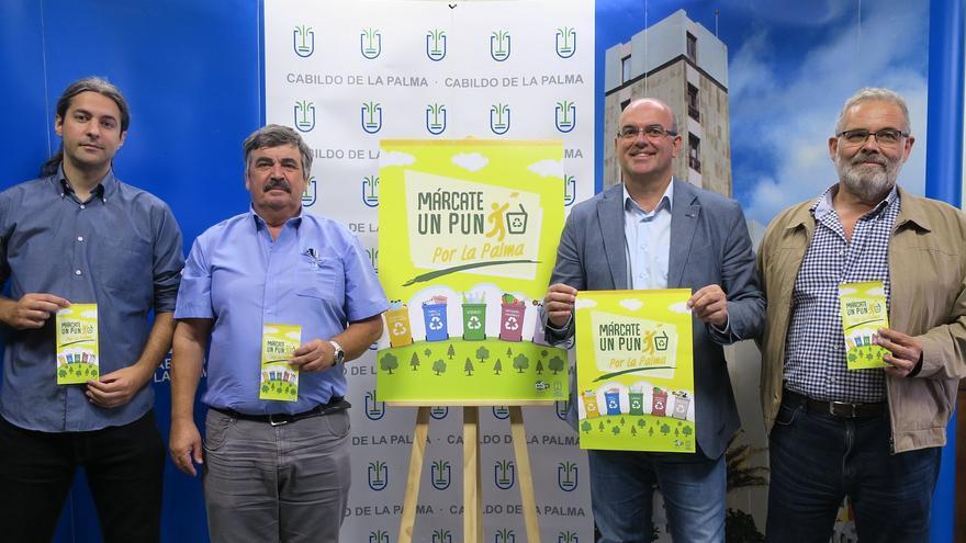 Presentación de la campaña  la campaña 'Márcate un punto por La Palma'.