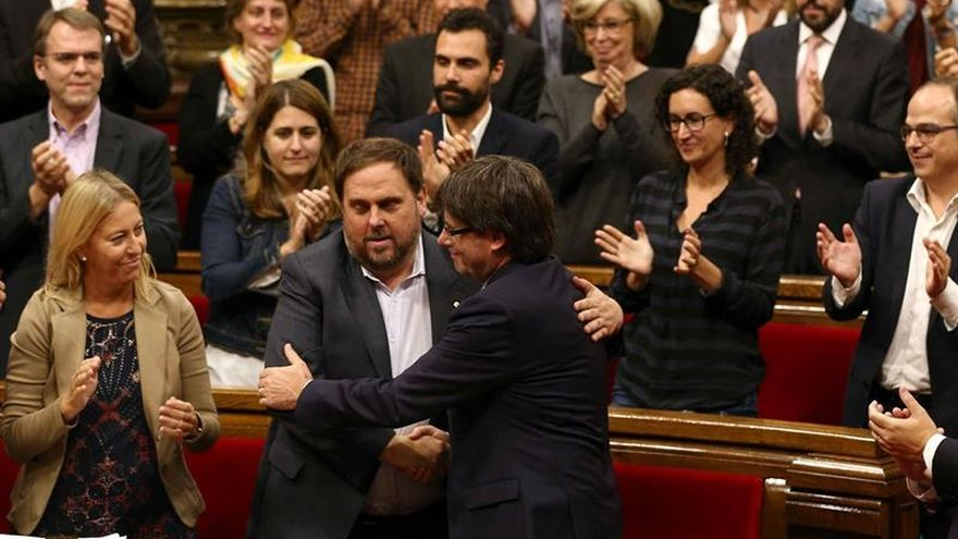 El Parlament renueva su confianza en Puigdemont con el apoyo de JxSí y la CUP