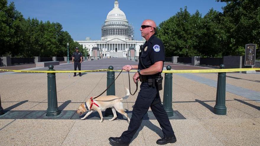 Desalojan un edificio del Congreso de EE.UU. por un paquete sospechoso