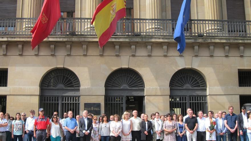 """Barkos transmite la """"solidaridad"""" de la ciudadanía navarra y hace una """"llamada a la paz"""""""