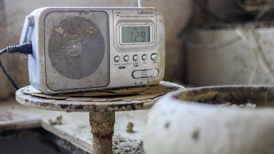 Radio en el taller.