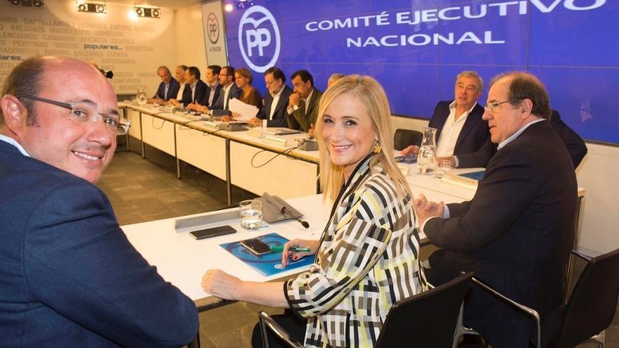 """Cifuentes no cuestiona el sistema de compromisarios pero el Congreso de Madrid será de """"un militante, un voto"""""""