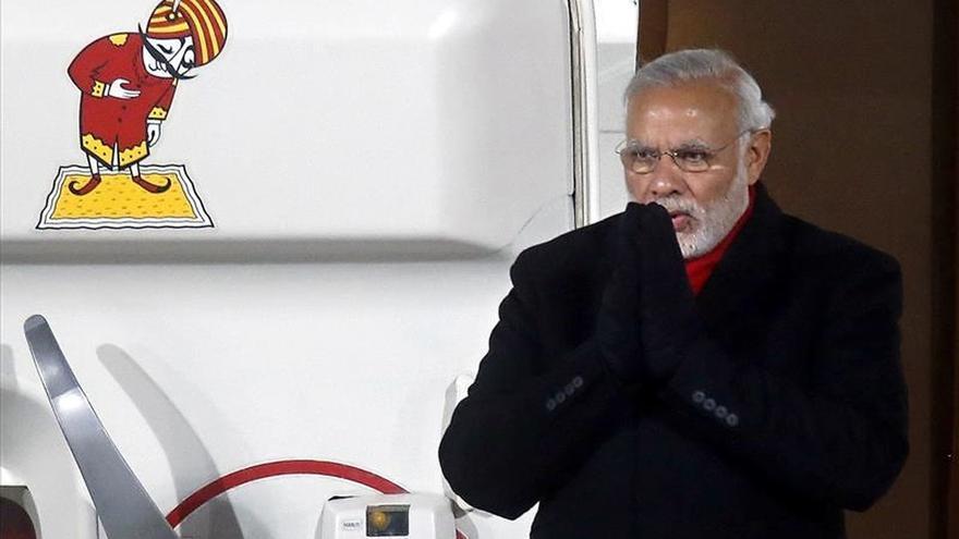 Modi se reunirá hoy con el primer ministro paquistaní en Lahore