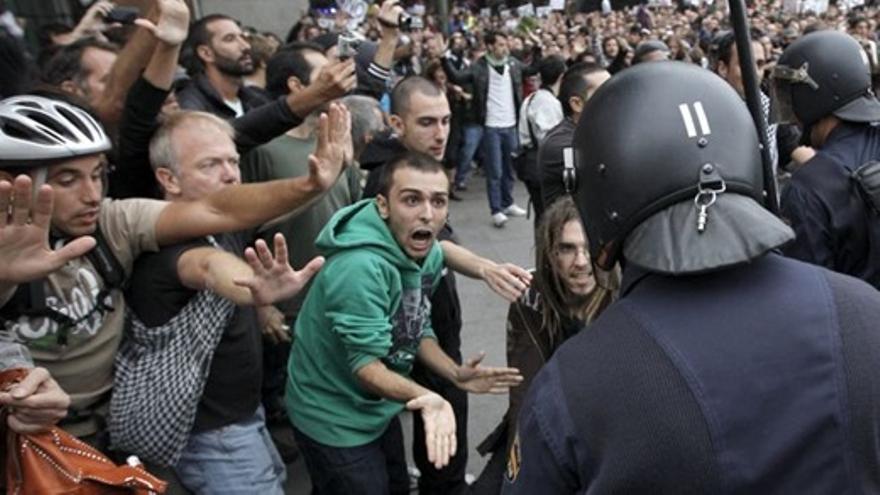 Cosido-actuacion-policial-agresiones-radicales_EDIIMA20120926_0401_15