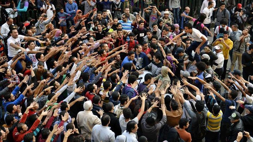 Dos muertos y 40 heridos en disturbios en las protestas de ayer en Egipto