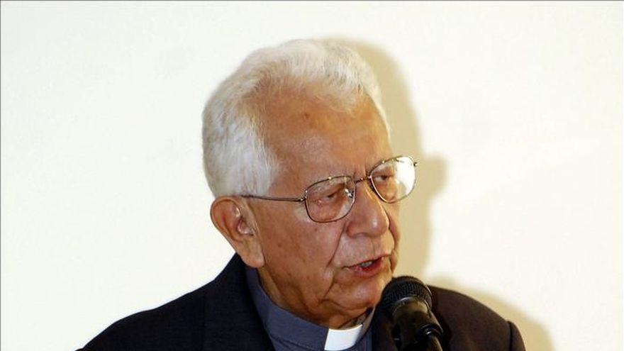 Legislativo boliviano condecora a cardenal Julio Terrazas, en estado terminal
