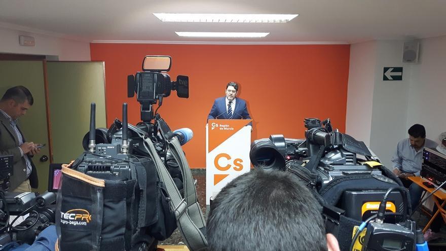 """Cs considera """"insostenible"""" la situación de Pedro Antonio Sánchez después de que el juez Velasco añada """"más madera"""""""