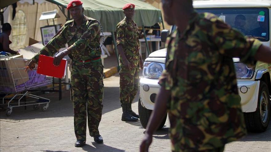 Al menos 28 muertos en un ataque terrorista contra un autobús en el norte de Kenia
