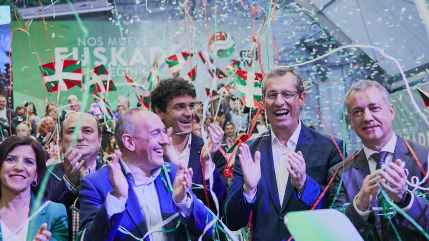 Candidatos y dirigentes del PNV, en el cierre de la campaña