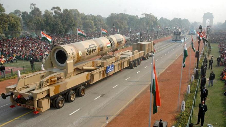 India prueba con éxito el misil Agni IV de largo alcance y capacidad nuclear