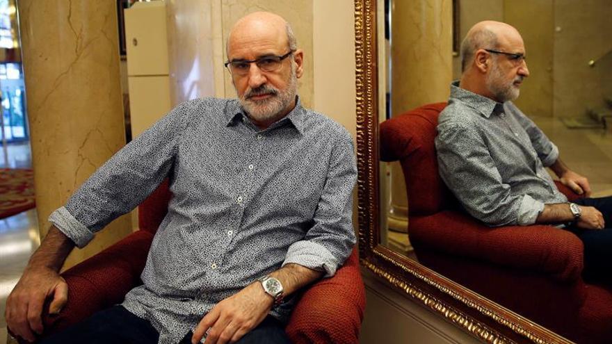 Fernando Aramburu y Fermín Herrero, premios de la Crítica 2016