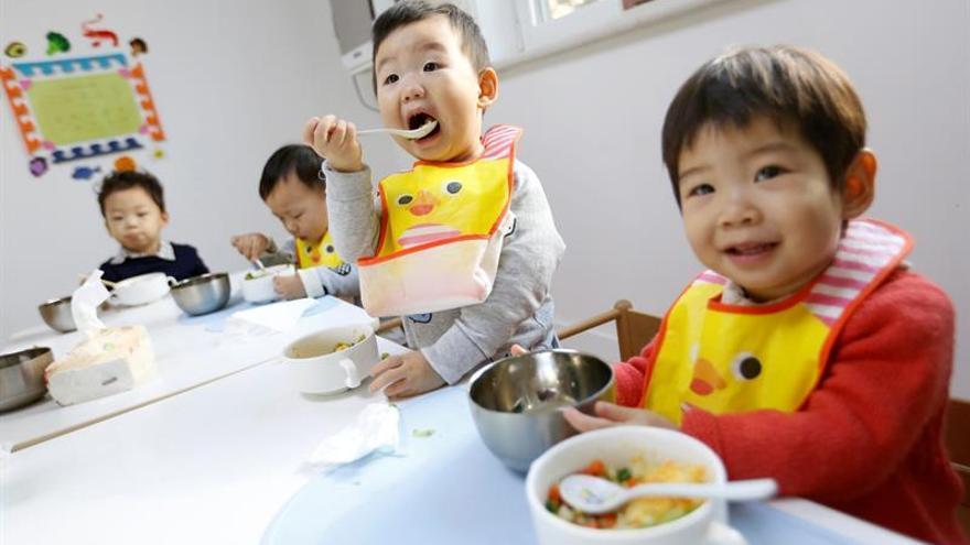 Cuatro detenidos tras la intoxicación de 121 niños en guarderías chinas