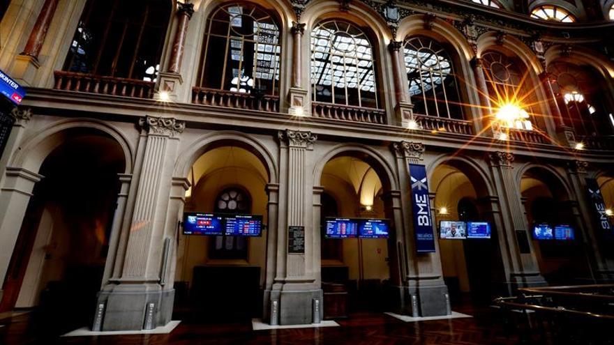 La Bolsa española se da la vuelta y sube el 0,94 por ciento a mediodía