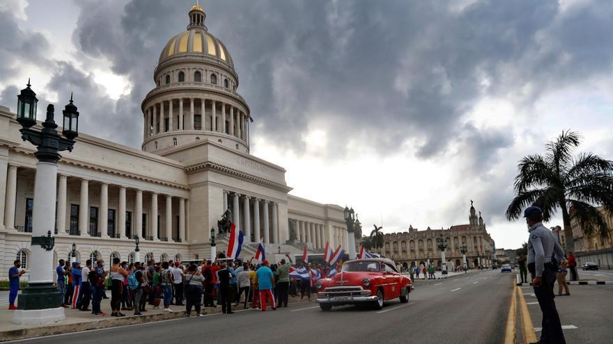 Podemos niega que Cuba sea una dictadura y la derecha pide a Sánchez condenarla