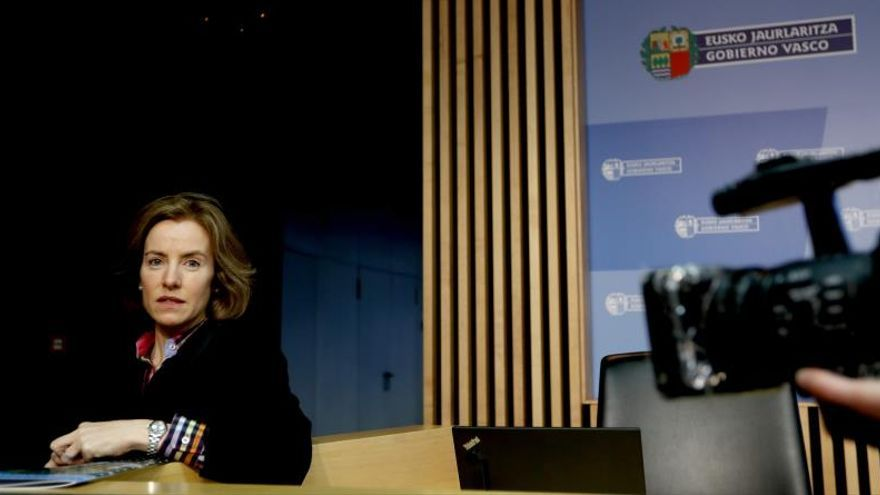 La Consejera de Turismo del Gobierno Vasco, Sonia Pérez Ezquerra, en la presentación en conferencia de prensa de la presencia de Euskadi en la feria Fitur.
