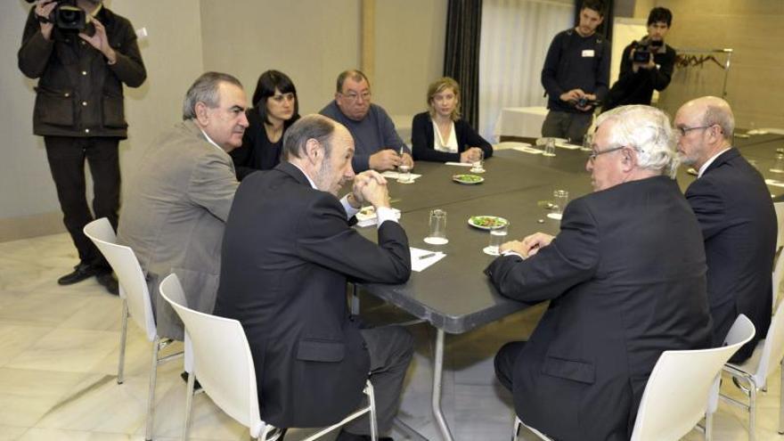 """Rubalcaba asegura que """"lo peor"""" de la crisis está por llegar para muchos colectivos"""
