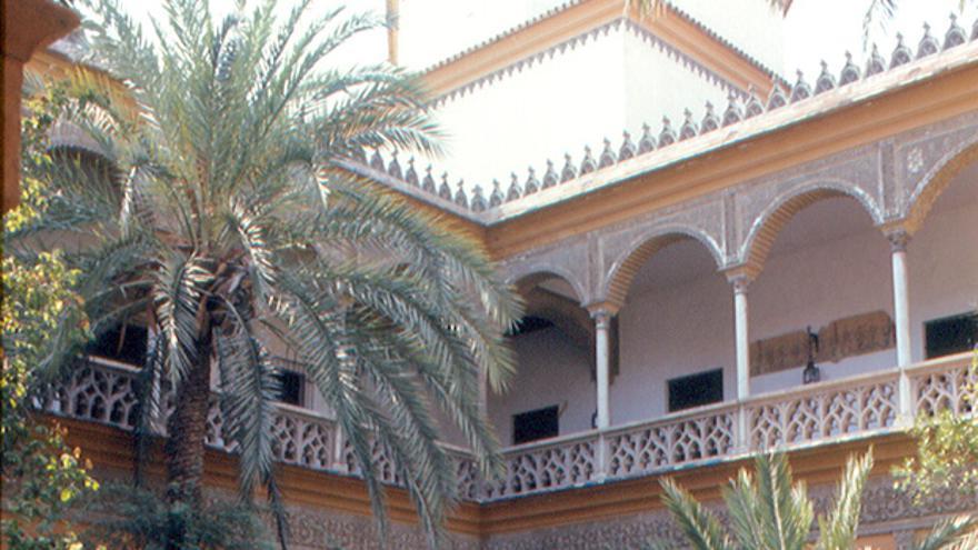 Patio del Palacio de Las Dueñas. Roger W