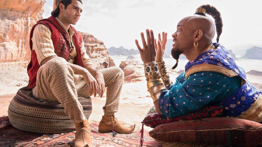 Will Smith y Mena Massoud en 'Aladdin'