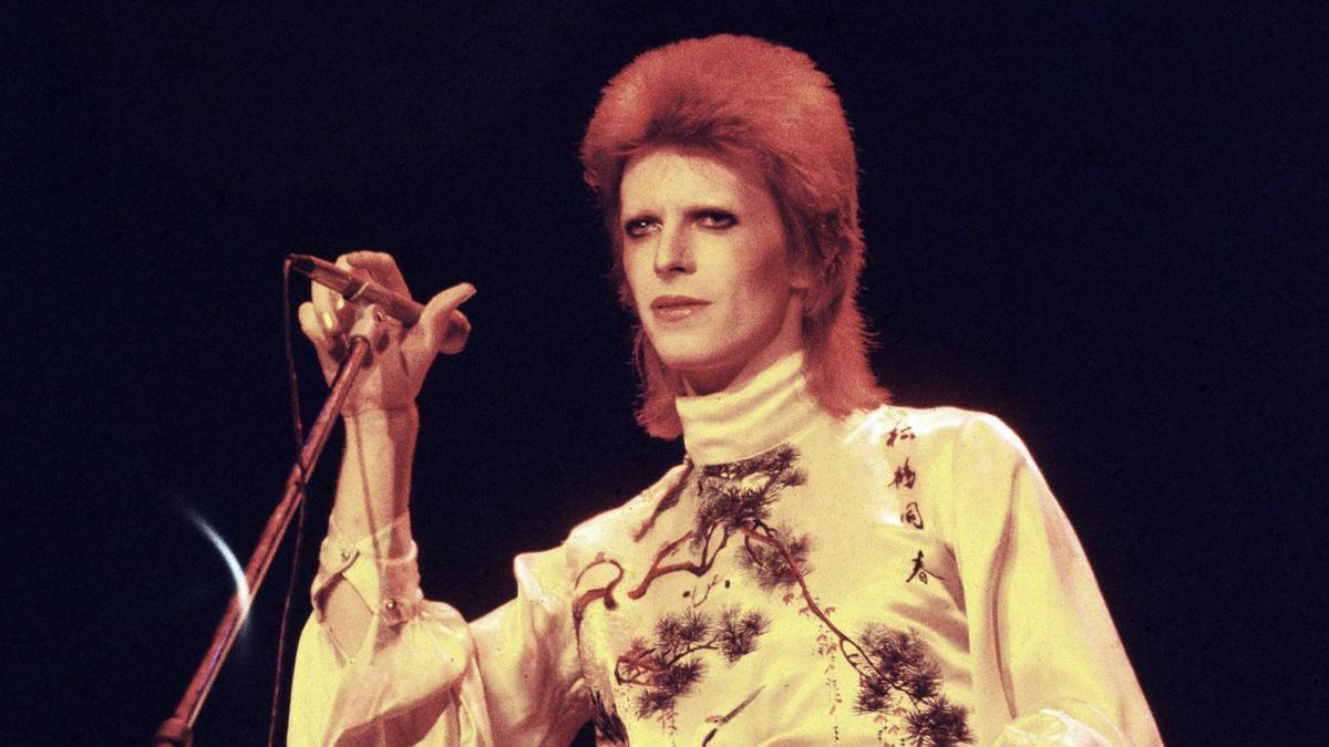 """Stardust"" imagina la vida de David Bowie en los meses previos a la confección del disco ""The rise and fall of Ziggy Stardust and The Spiders from Mars"""