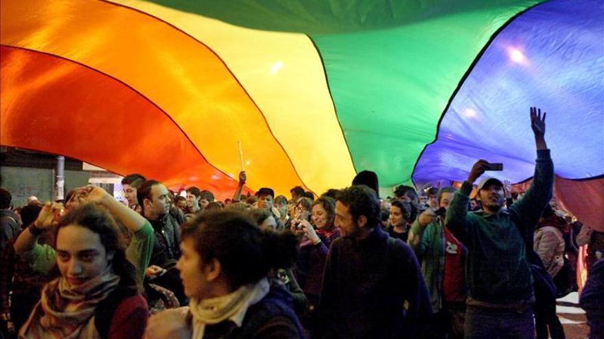 Promulgada la ley, los homosexuales podrán casarse en Uruguay desde agosto